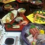 古登富貴 - 3000円のコース料理。写真の他に2段の蒸籠(蟹グラタンと茶碗蒸し←ウニ入り♪)そして〆にお椀(素麺←季節によって変わる) 大満足の美味しさでした!