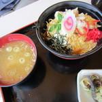 コマ展望台レストラン - 親子丼