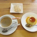 ラ・プルミエプゥッス - コーヒーとカスタードプリン