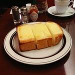 楡 - ふかふかのチーズトースト。