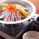 もつ鍋 清水 - イベリコ豚水菜のしゃぶしゃぶ鍋