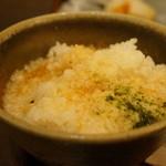 花百咲 - 麦ご飯に、とろろを掛けて麦トロご飯です、メチャウマです