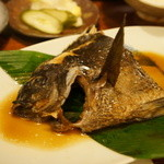 花百咲 - 魚系、肉系に分かれたメイン、当然魚、グレの煮付けです、正解の美味さ