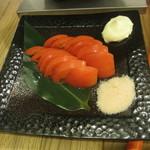 東京馬焼肉 三馬力 - 熊本県産のおいしい冷やしトマト