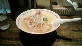 麺屋社中 - 濃厚鶏そば(680円)