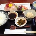 日和 - 料理写真:刺身定食