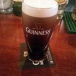 IRISH PUB O'Neill's - ギネスハーフ