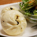 パオパオ - 小松菜たっぷり野菜まん(期間限定・189円)
