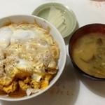 金葉食堂 - カツ丼