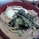 加辺屋 - 山芋、美味しいお蕎麦にとろろのとろみが加わり独特の口当たりに変化します