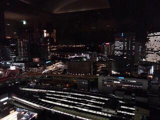 スカイラウンジ ベイ・ビュー - 28階からの横浜駅&ベイブリッジ