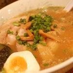 麺僧 - チャーシュー麺+味玉