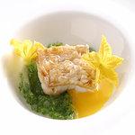 アルテリーベ - 甘鯛の松笠揚げ、胡瓜とサフランのソース