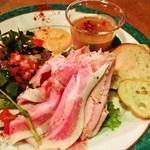 22052714 - 熟成肉前菜三種の盛り合わせ ロースハム、牛肉パテ、レバーペースト