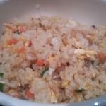 唐朝刀削麺 - チャーハンは細かく刻まれた具材のパラパラチャーハン