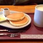 CAPRI - ホットケーキと豆乳ラテ