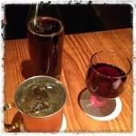 VOICE - モスコミュールと赤ワイン。