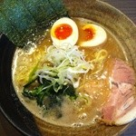 びし屋 - 豚骨醤油ラーメン 並+卵