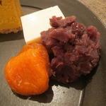 22067005 - 豆乳くずもち、杏と粒餡