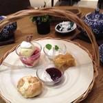 Afternoon Tea TEAROOM - 3種盛り合わせ