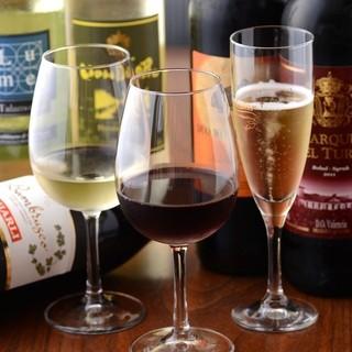 TOMORUのワインは30種類