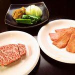焼肉食堂 JUICY - 塩タン、ロース
