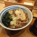 しぶそば 武蔵小杉店 - いかゲソとしし唐の天ぷらそば¥450