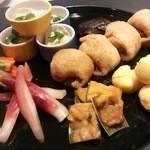 京ごはんふわっとふわっと - 夜のお食事、先付に皆様の笑顔が嬉しいです(^u^)☆