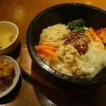 熱風食堂Typhoon - 石焼きビビンバ