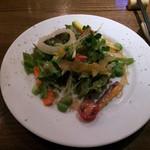 aiai - お通しの有機野菜サラダ