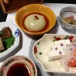 22084395 - 前菜,椀物<銀杏豆腐>,酢物,造り