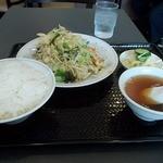 22085436 - 野菜炒め定食全体