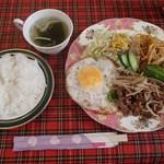 ウェンディーズ - 日替わりランチB:焼肉定食(680円)