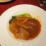 中国料理 XVIN - ヨシキリザメ姿煮のアップ