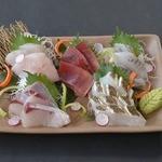 どんべえ - 日本各地から仕入れた新鮮なお刺身