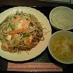 chuukaryourihisuien - 什錦炸麺(パリパリ皿うどん)