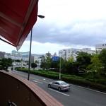 ティーズスタイル - お店は2階が入口です~外観(鶴見花博通り)