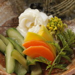 季節野菜の漬物盛り合せ
