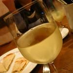 ワイン食堂 ツルカメ - ガルガネガ(北イタリア)500円