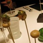 レストラン ラ フィネス - アミューズ マッシュルームのギリシャ風  ツブ貝のブイヨン煮