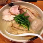 臥龍 - 肉麺大盛り 1,400円