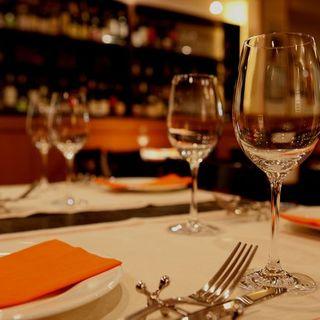 落ち着いた空間で楽しい食卓をお楽しみください♪