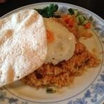 インドネシア料理スラバヤ - ナシゴレン。