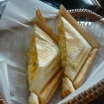 鈴屋 - 料理写真:モーニングセットのホットサンド