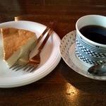 炭火煎珈琲 木香里 - 炭火ブレンドコーヒーとチーズケーキ