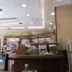 ドトールコーヒー - 店内かなり狭小ですね