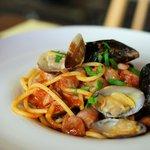 ヴィッラ マニョーリア - スパゲティ(魚介のトマトソース)