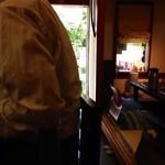さ行や 龍川 - 201310 龍川 店内⇒出入口が見えます