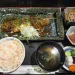 ワインと懐石 日本料理のお店 青山 - アジの煮付け定食