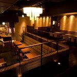 豚料理専門店 銀呈 - 1階席と2階席合わせて50名以上の貸切りが可能です。土曜日には2階席角がLIVEの舞台になります。